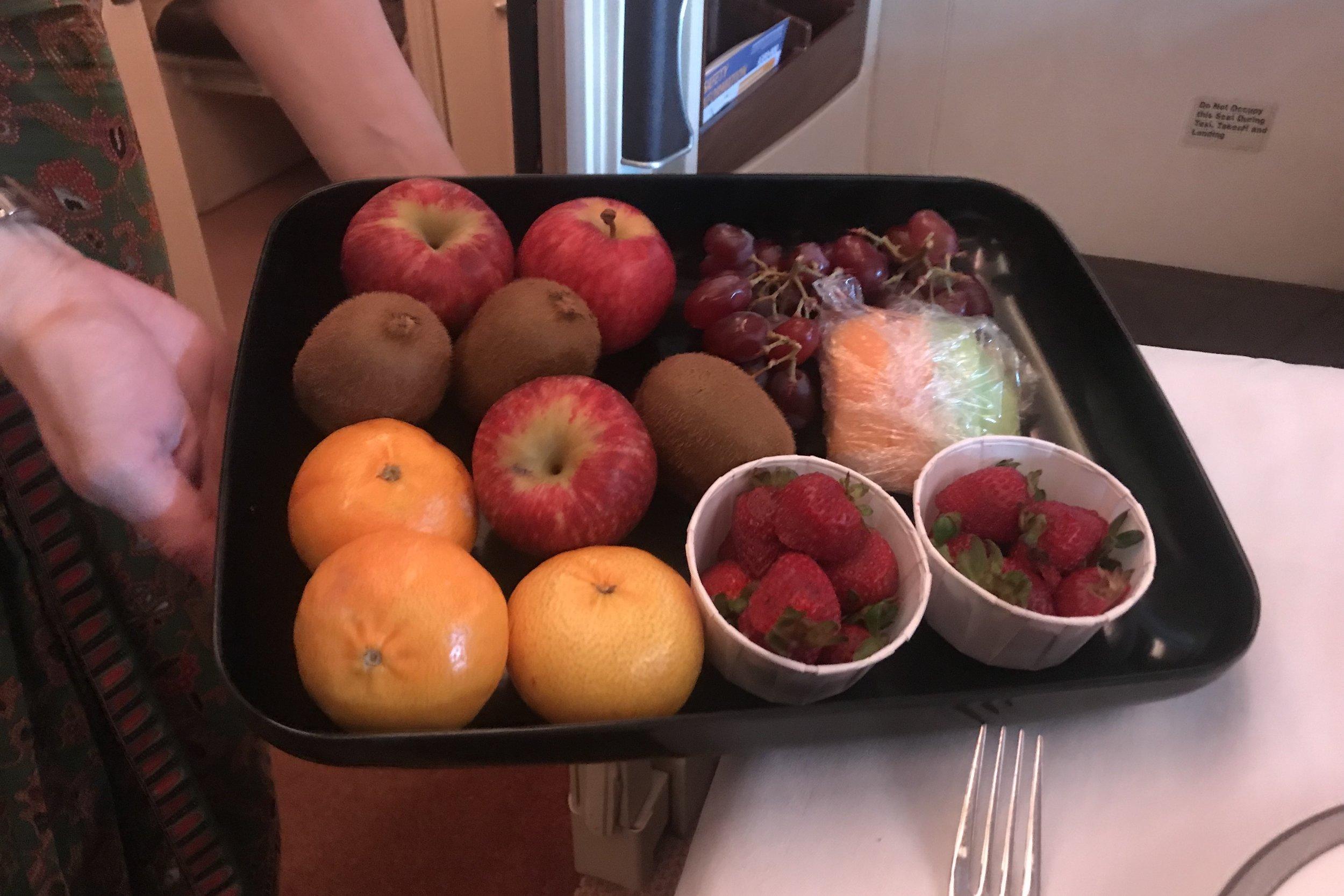 Singapore Airlines Suites Class – Fruit basket