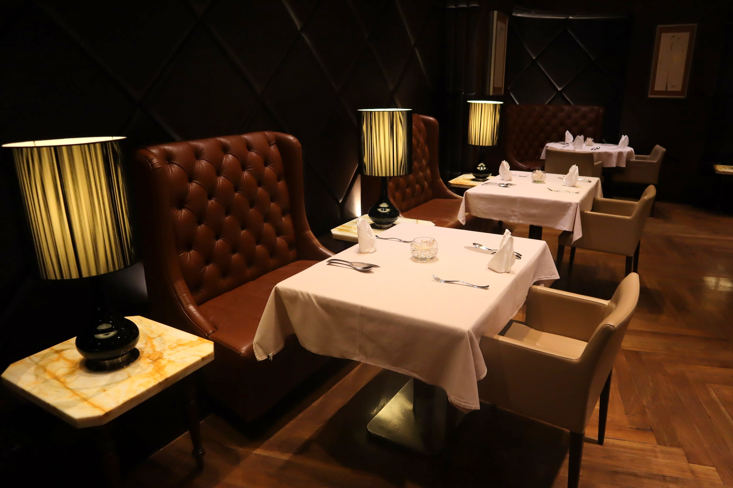 The Private Room by Singapore Airlines – Dining room seating
