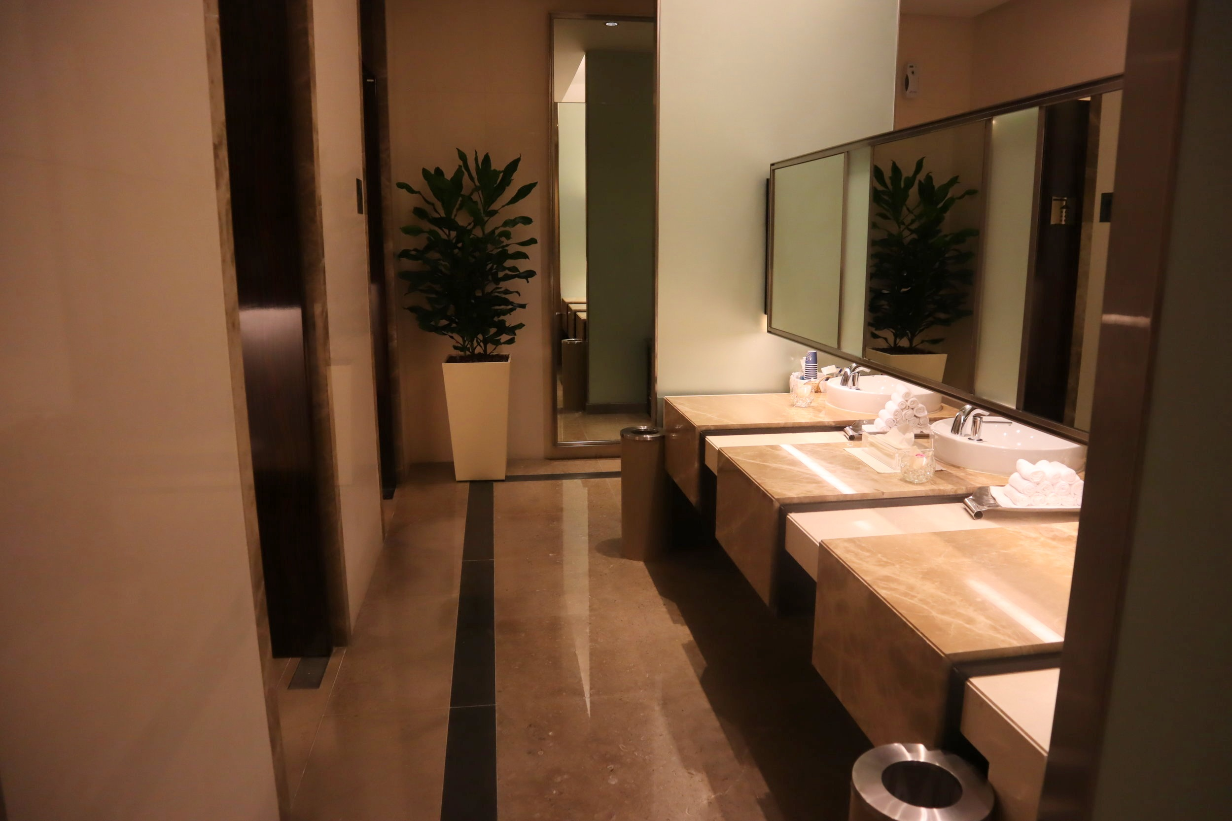 The Private Room by Singapore Airlines – Restroom