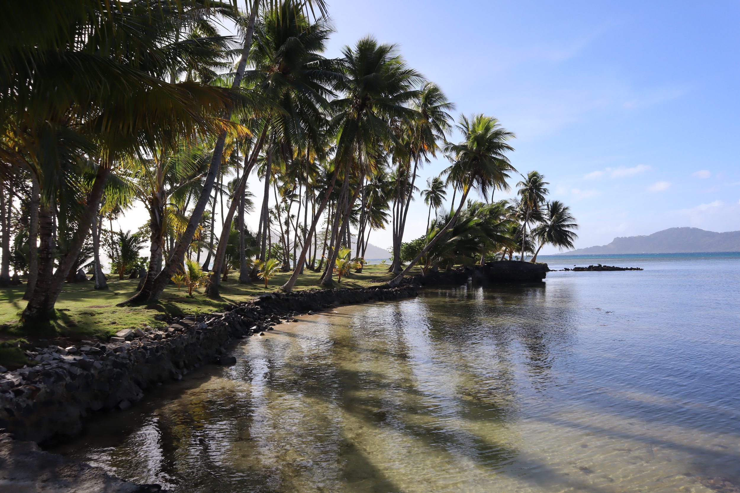 Blue Lagoon Dive Resort – By the water