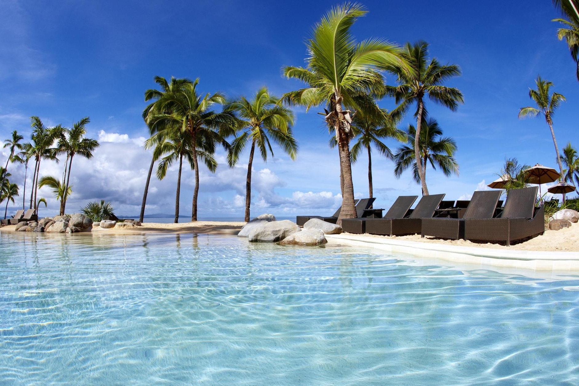 Lock in a free night at the Sheraton Fiji Resort for 35,000 Bonvoy points