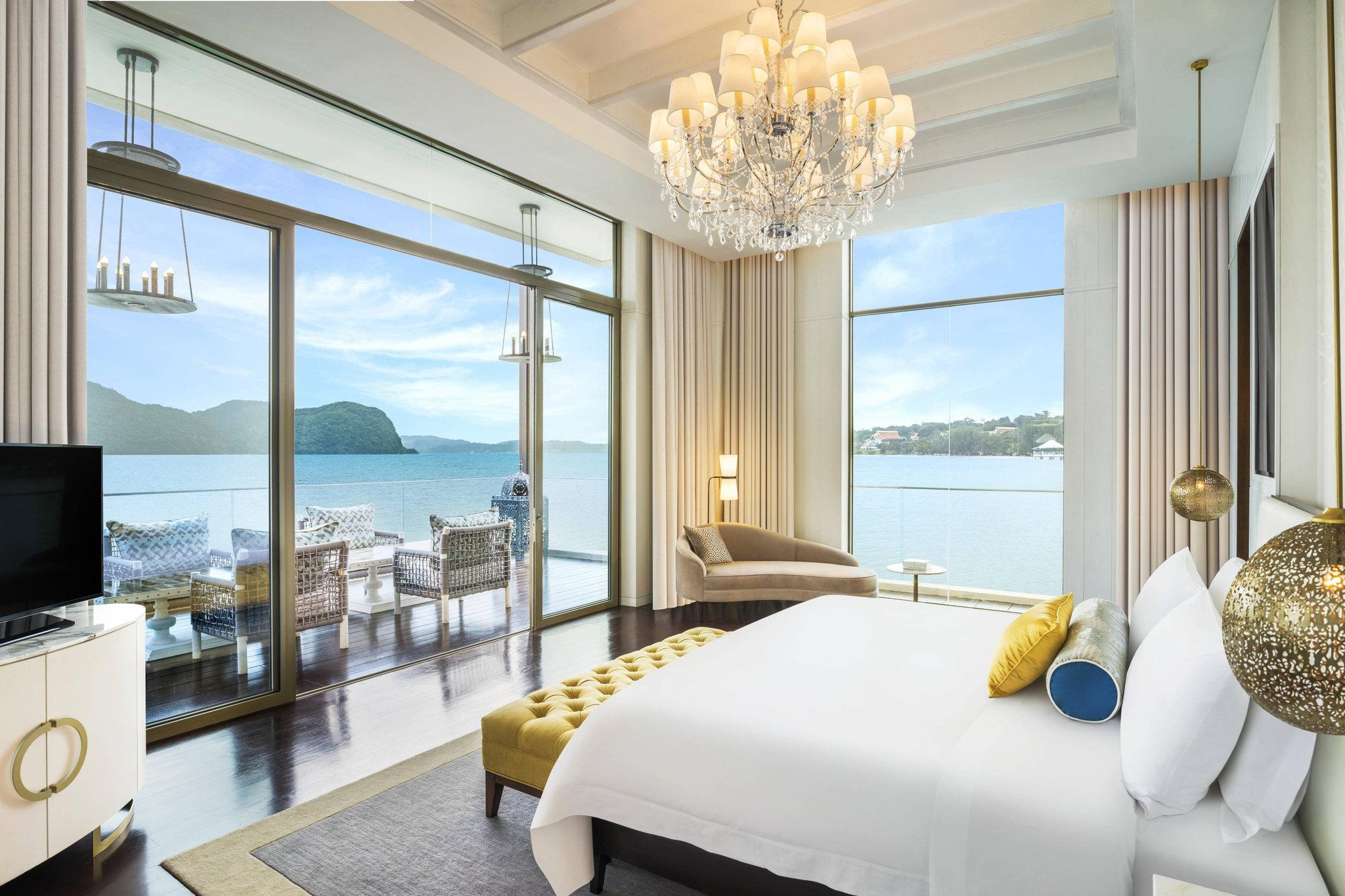 Lock in a free night at the St. Regis Langkawi for 50,000 Bonvoy points