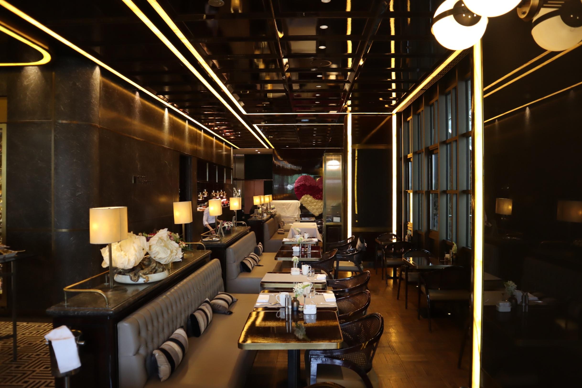 St. Regis Istanbul – St. Regis Brasserie indoor seating