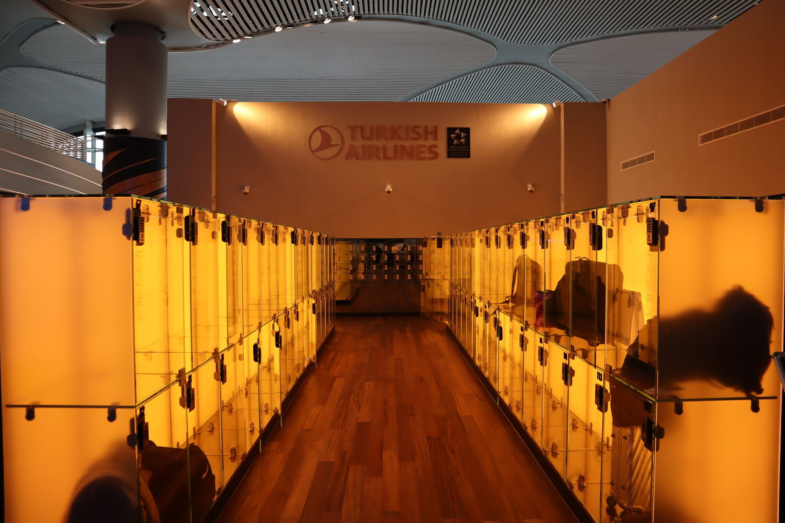 Turkish Airlines Business Lounge Istanbul – Lockers