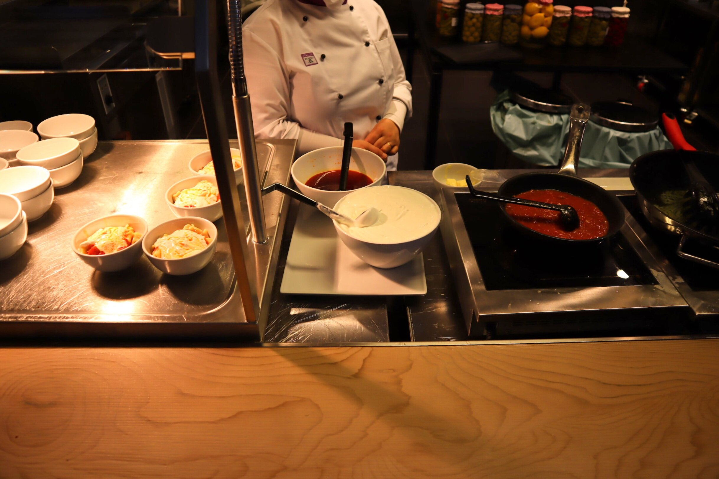 Turkish Airlines Business Lounge Istanbul – Pasta station