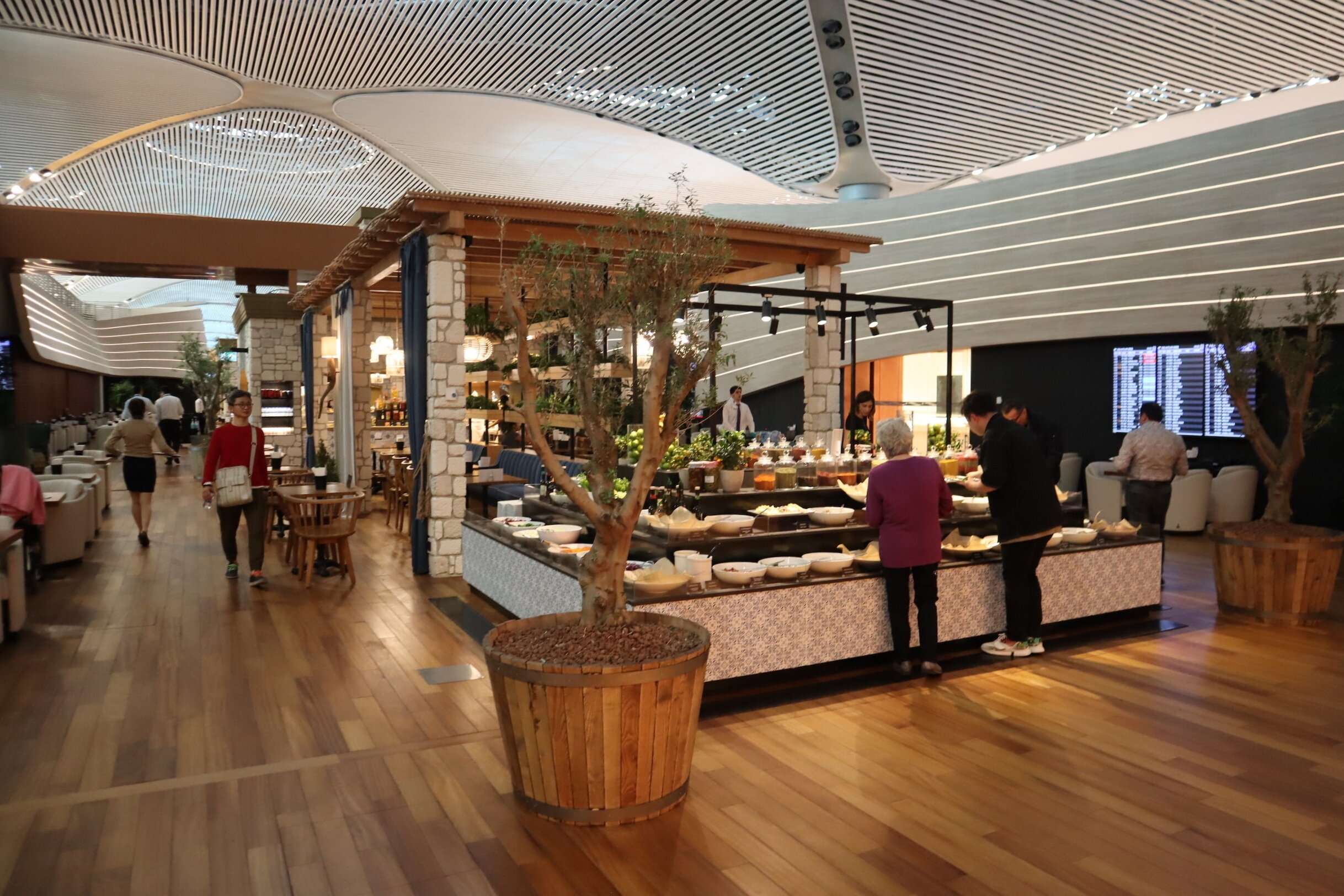 Turkish Airlines Business Lounge Istanbul – Meze station