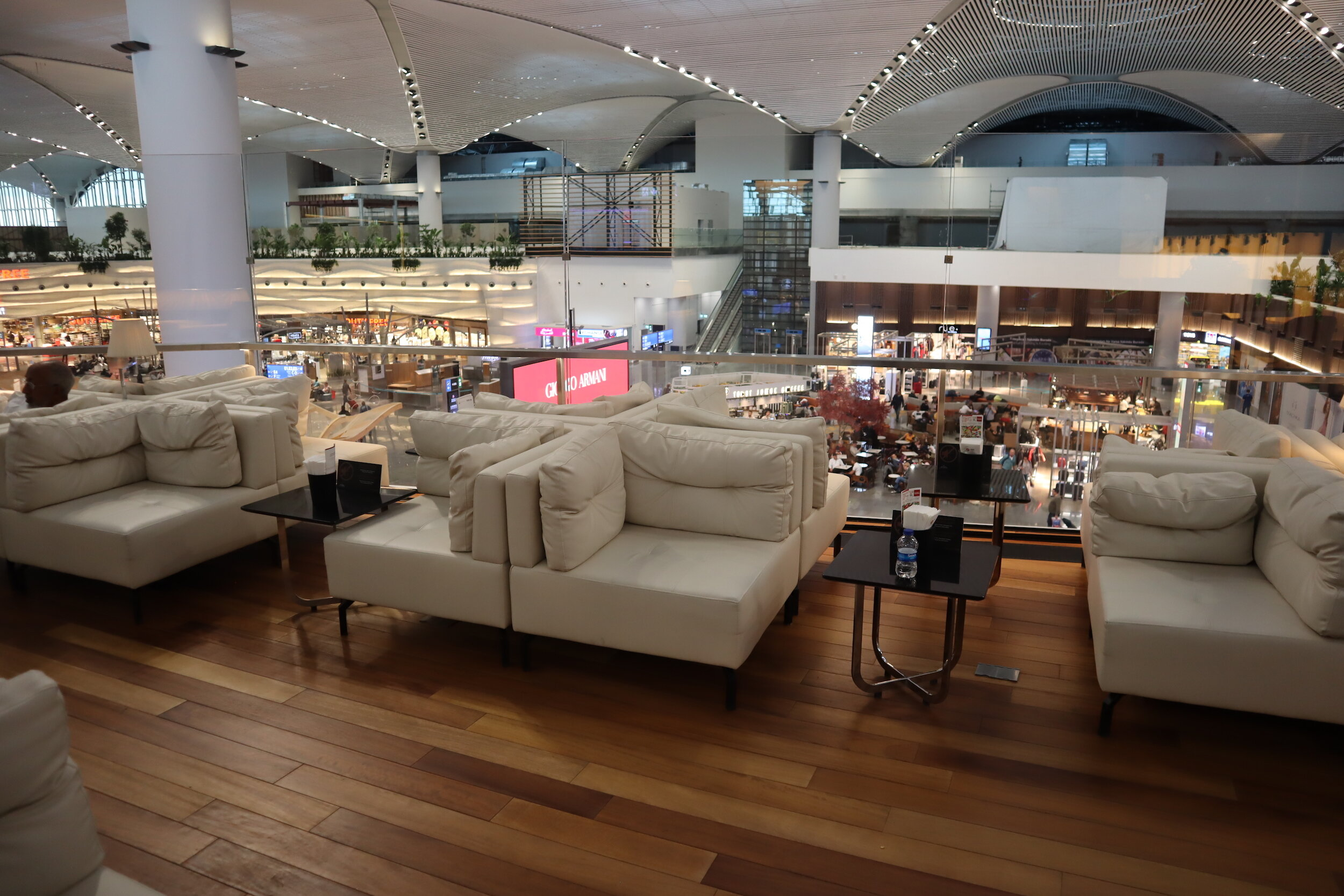 Turkish Airlines Business Lounge Istanbul – Seating area