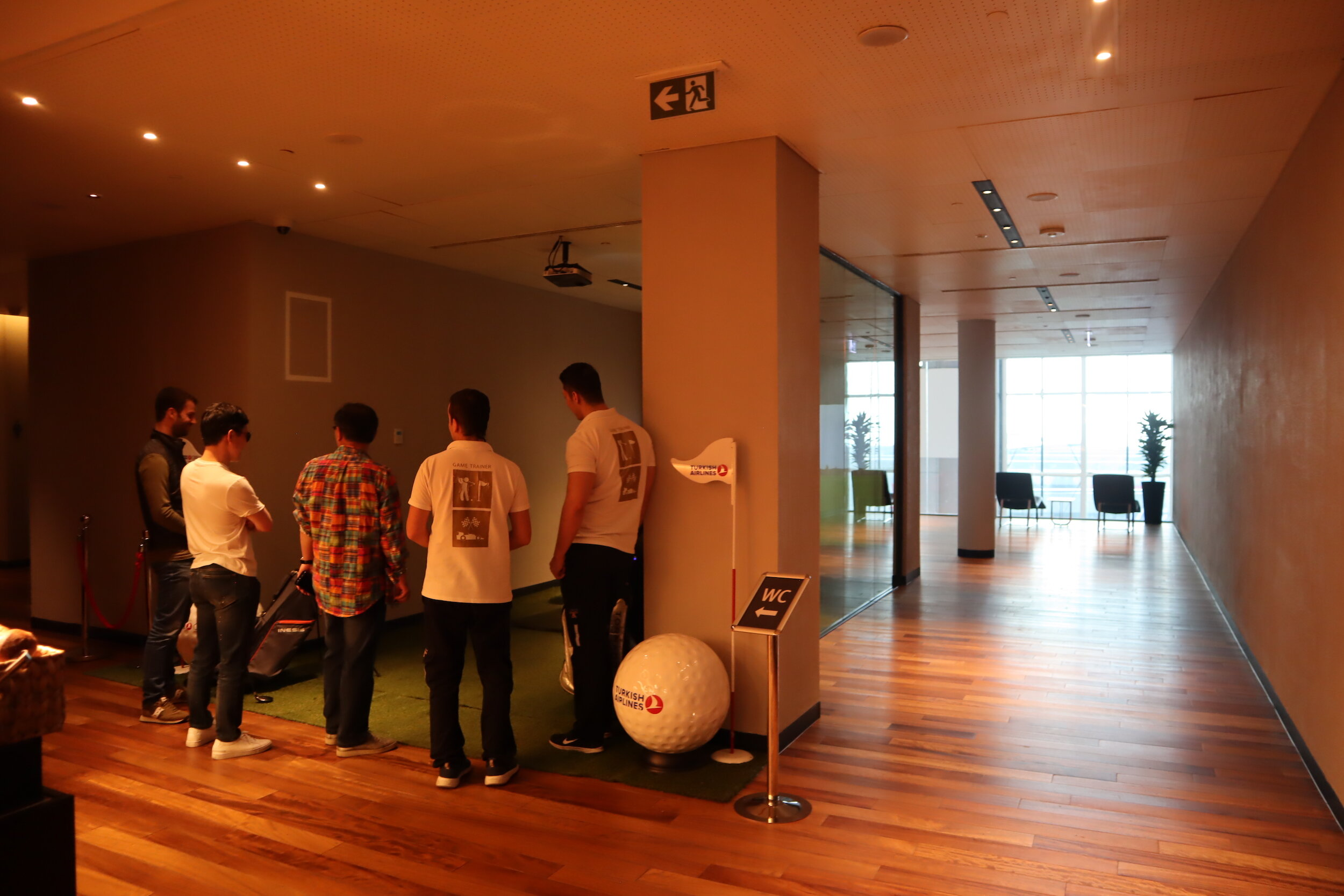 Turkish Airlines Business Lounge Istanbul – Virtual golf