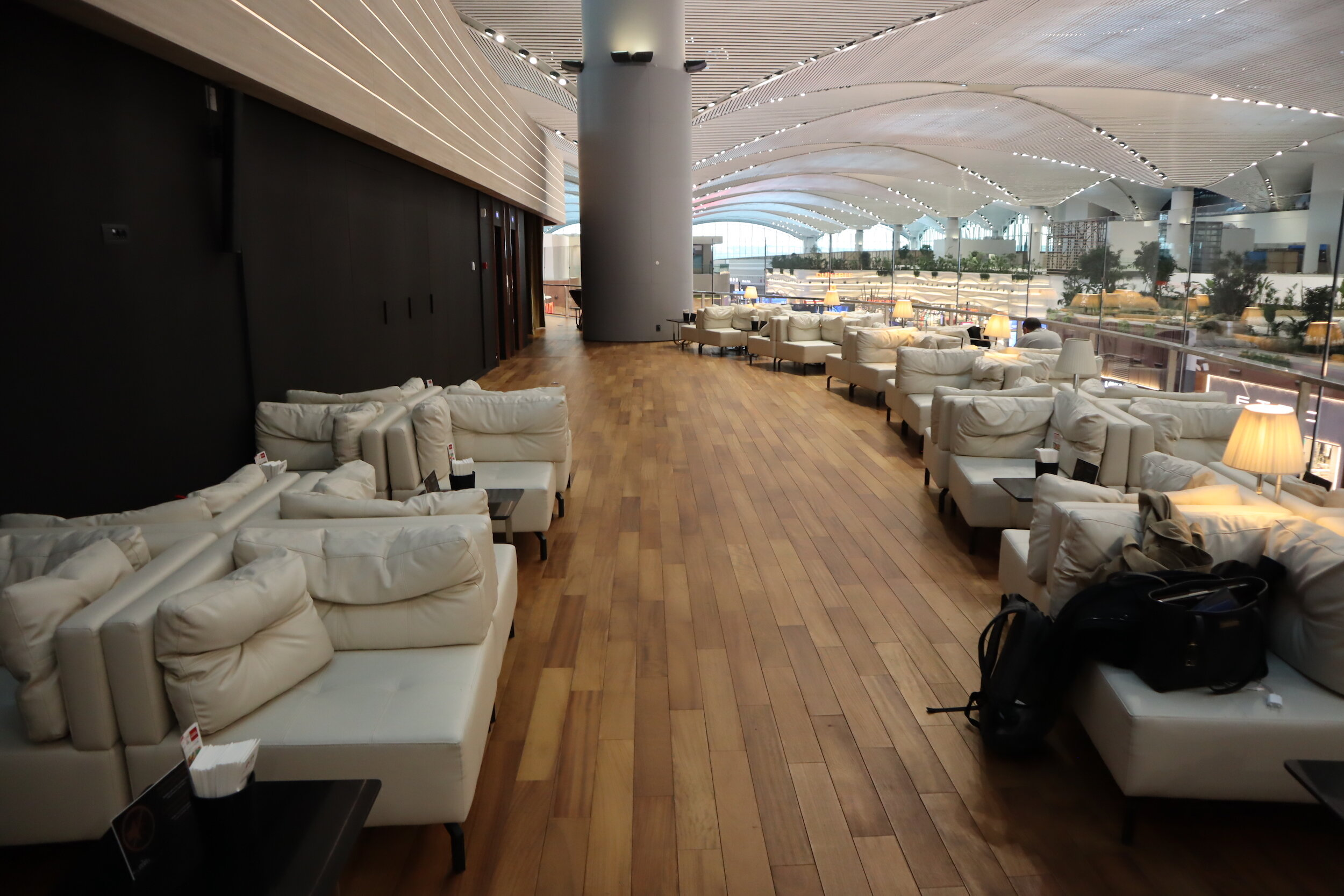 Turkish Airlines Business Lounge Istanbul – Rest area