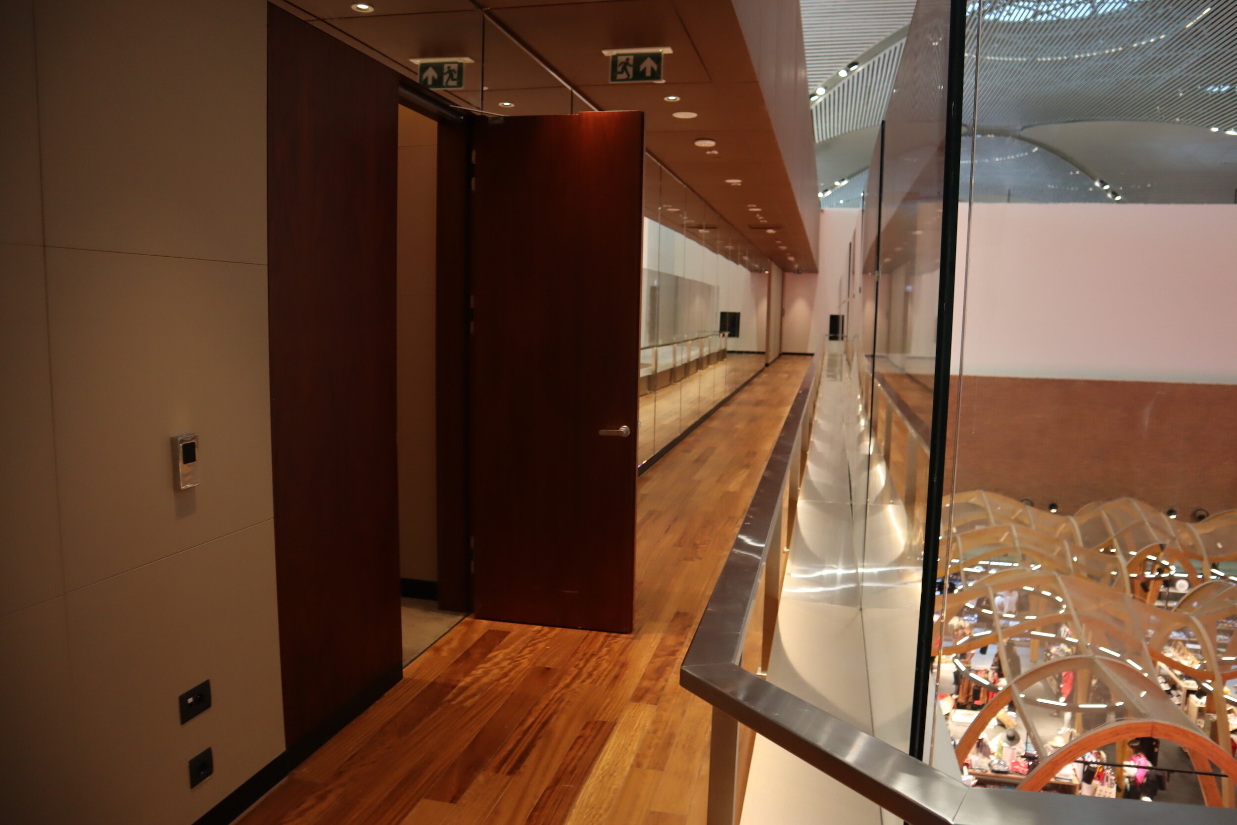 Turkish Airlines Business Lounge Istanbul – Walkway to shower and nap rooms