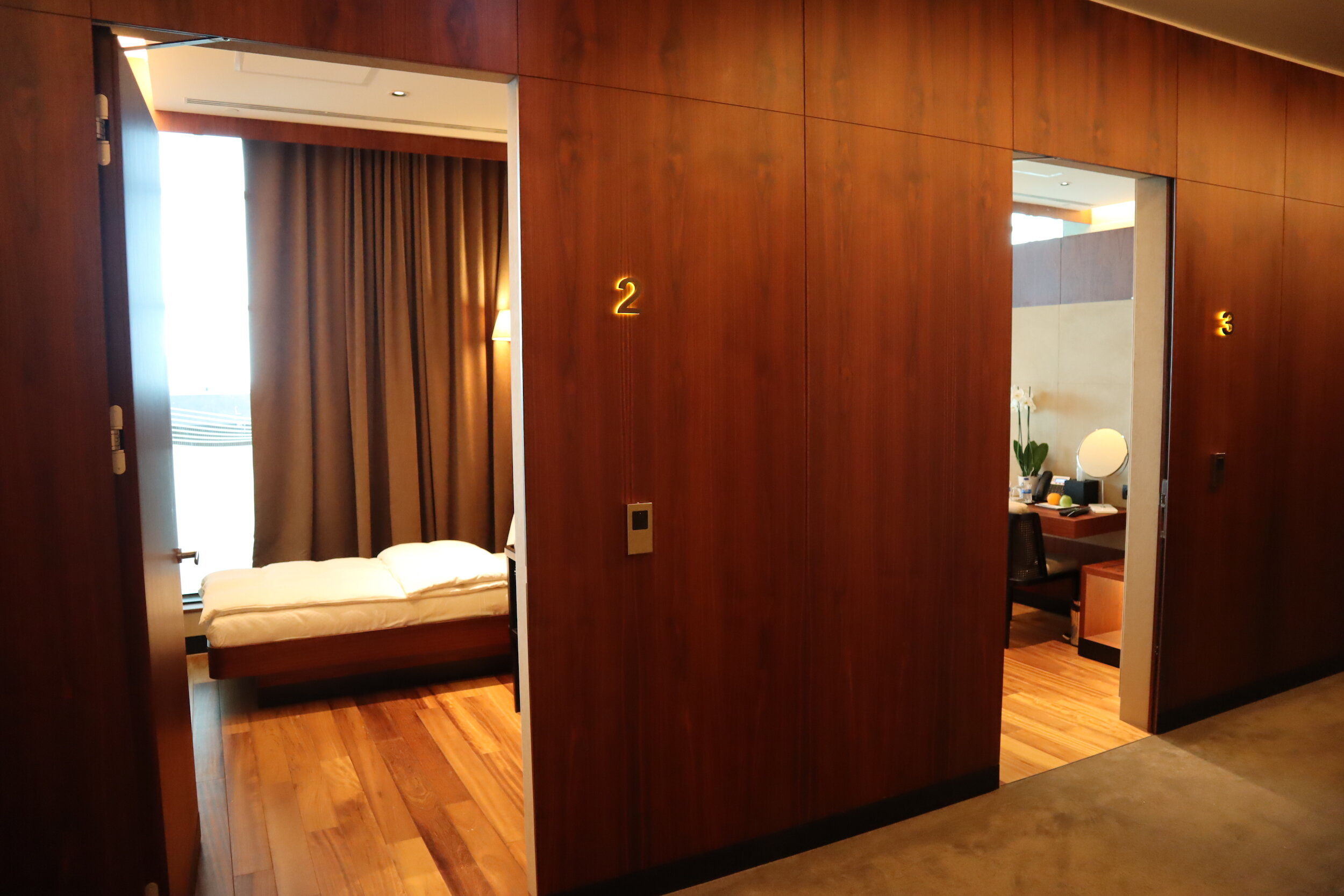 Turkish Airlines Business Lounge Istanbul – Private sleeping rooms