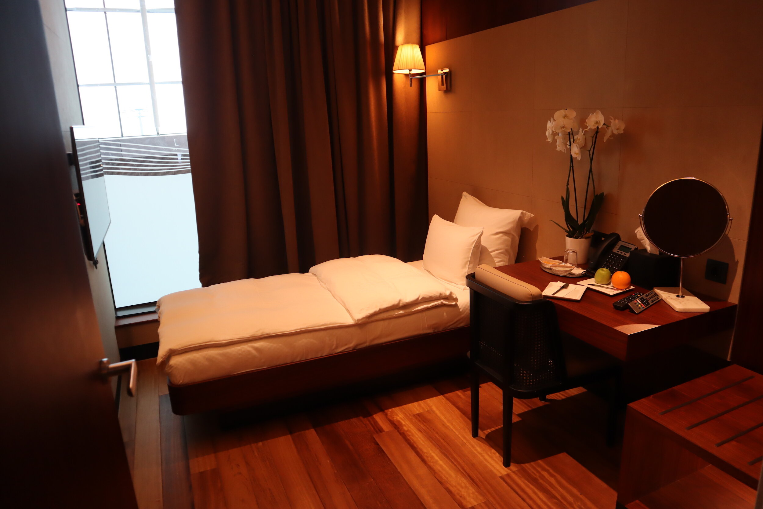 Turkish Airlines Business Lounge Istanbul – Private sleeping room