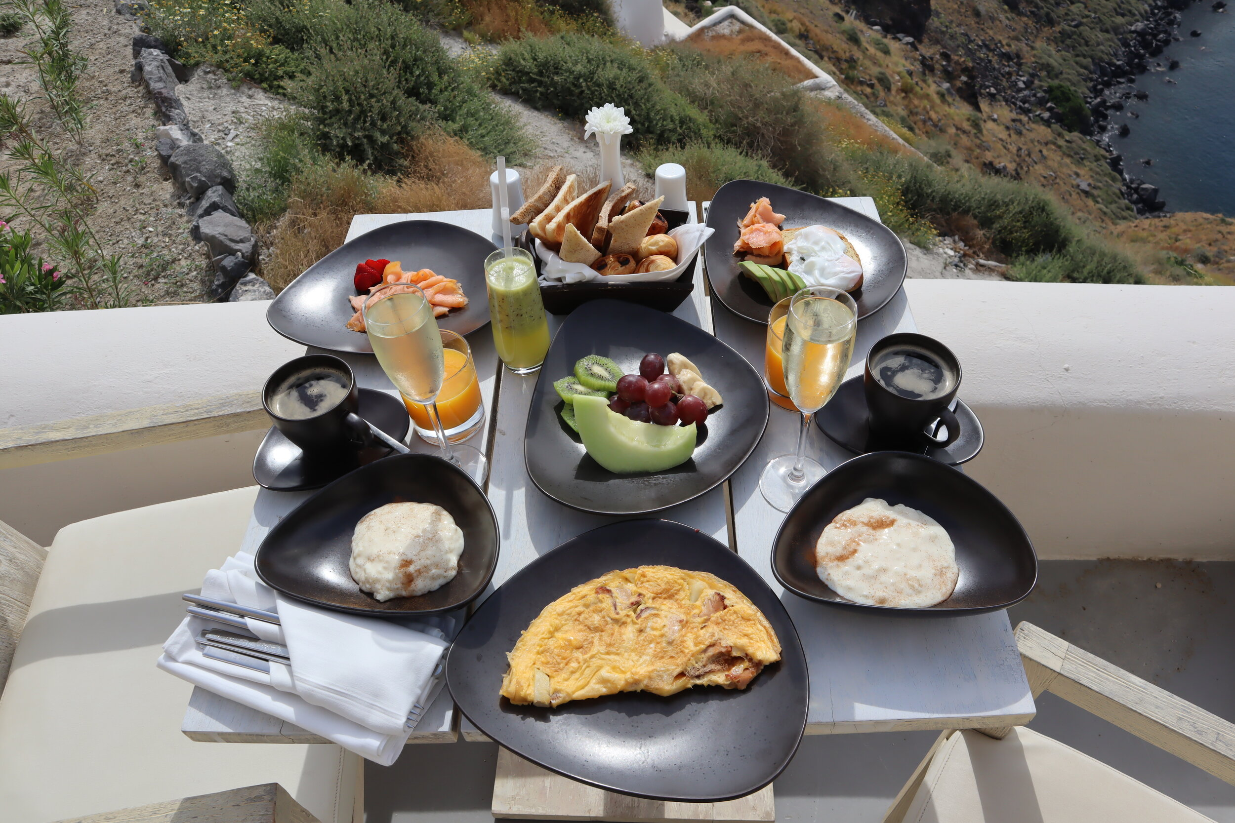 Mystique Santorini – Breakfast on the patio