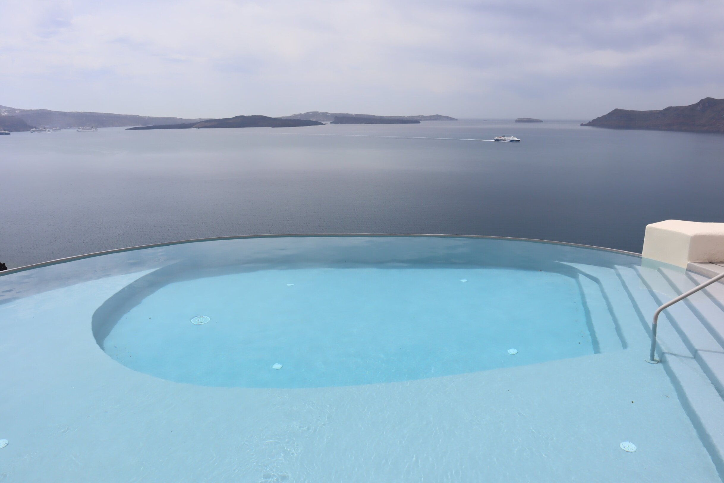 Mystique Santorini – Main pool
