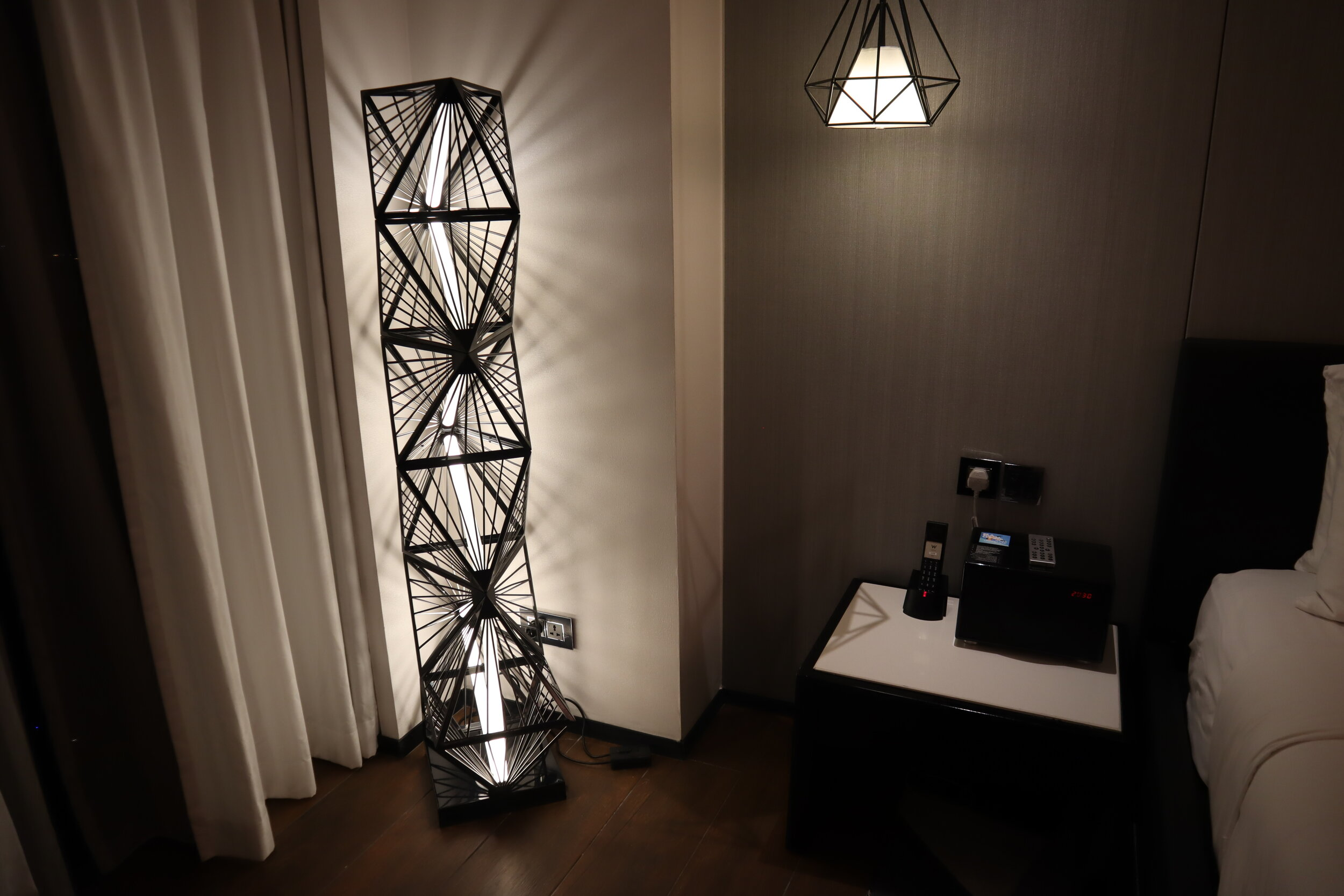 W Amman – Cool Corner Suite lighting