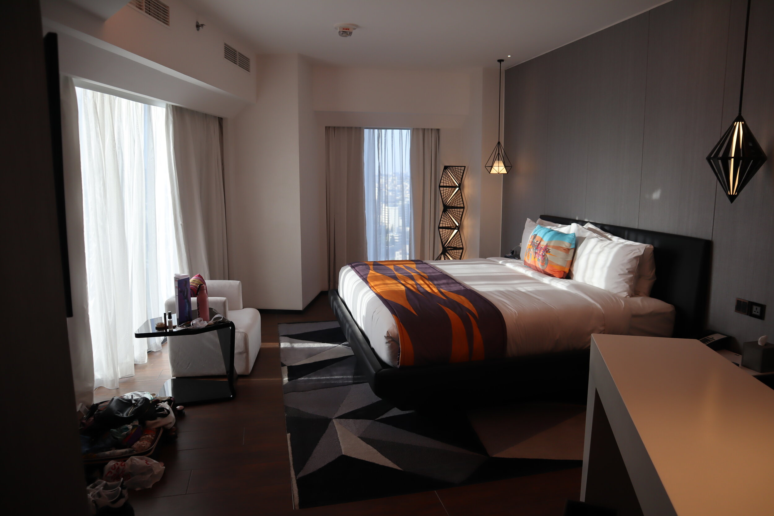 W Amman – Cool Corner Suite in the daytime