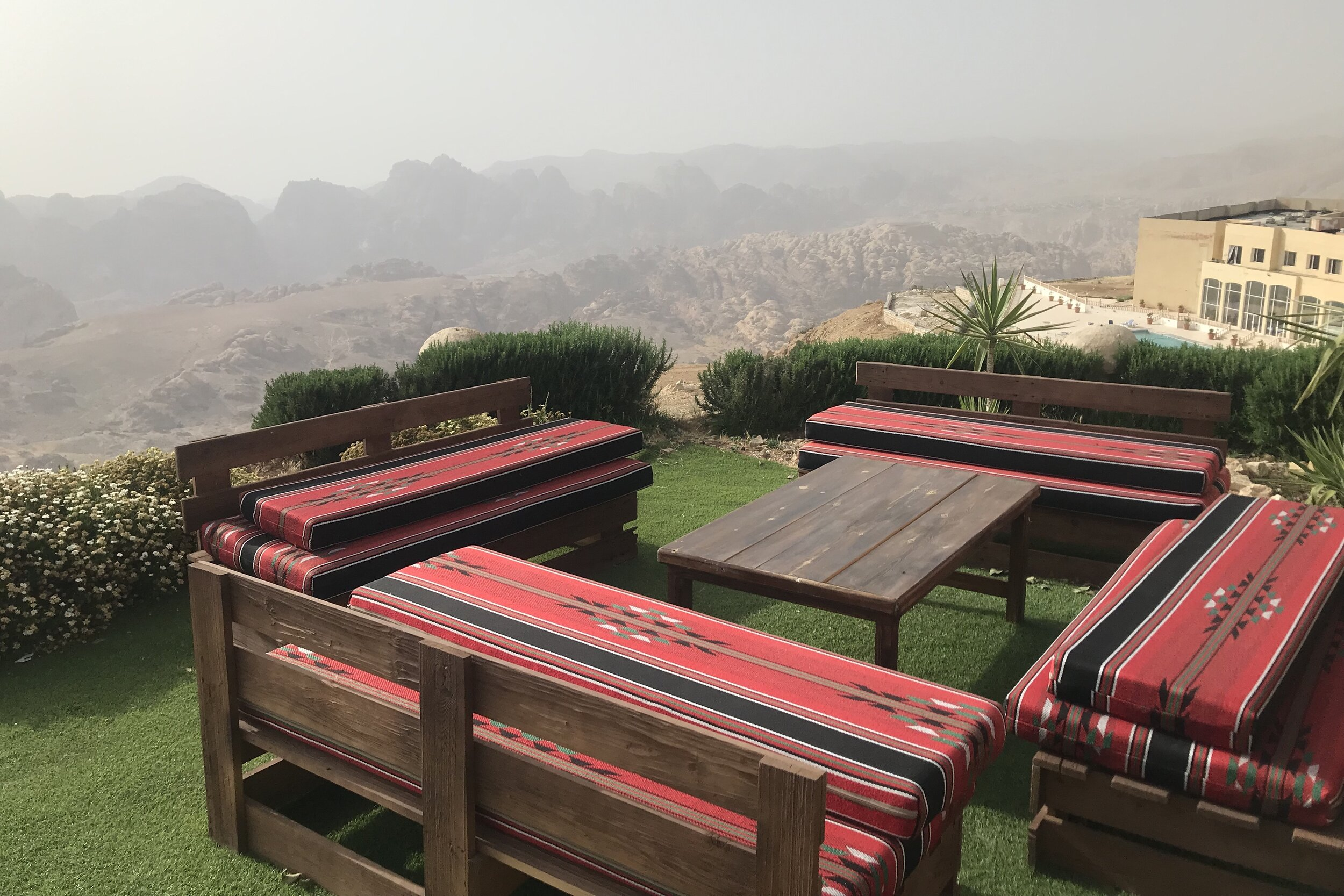 Marriott Petra – Outdoor seating area