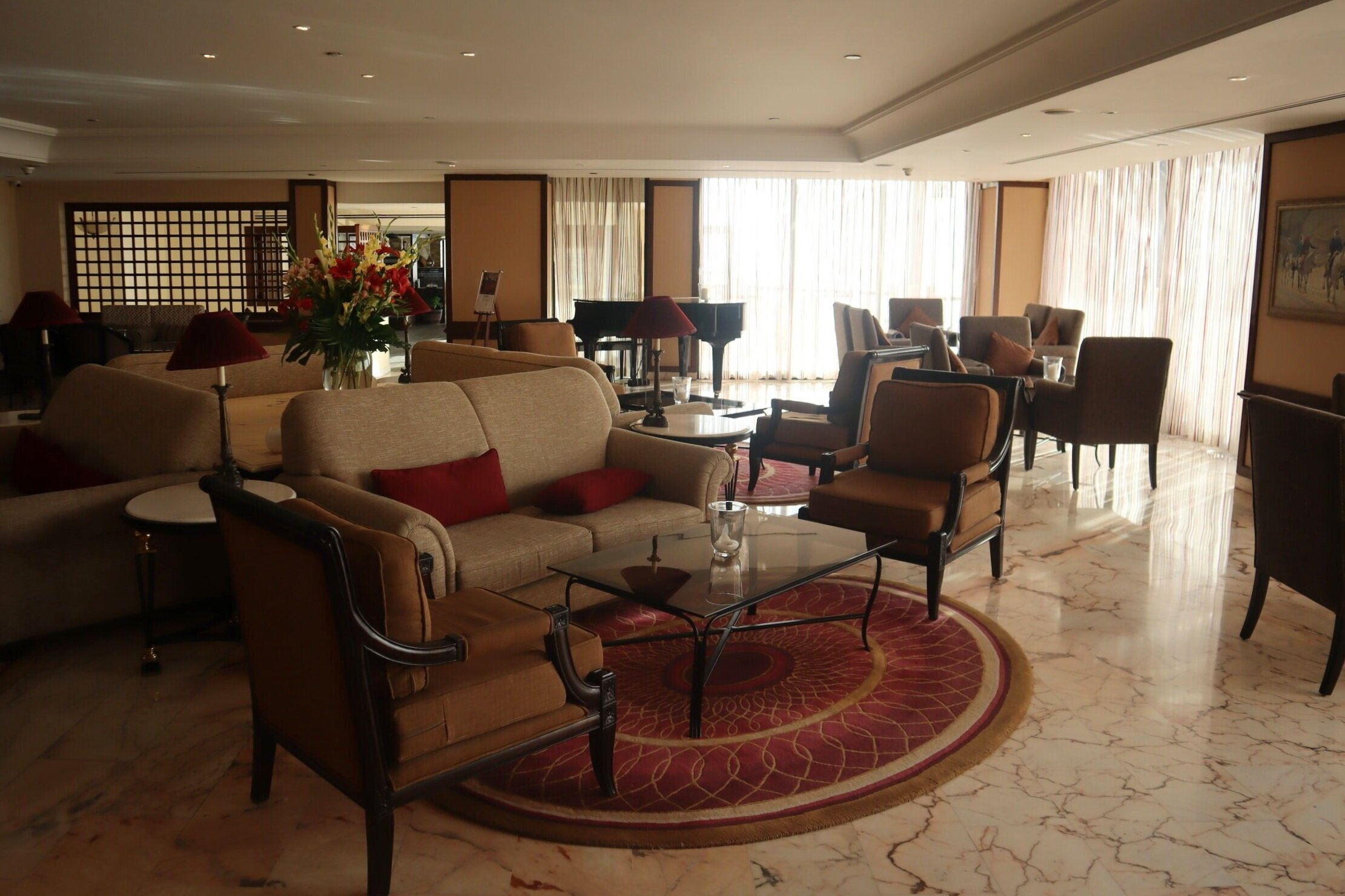 Marriott Petra – Communal seating area