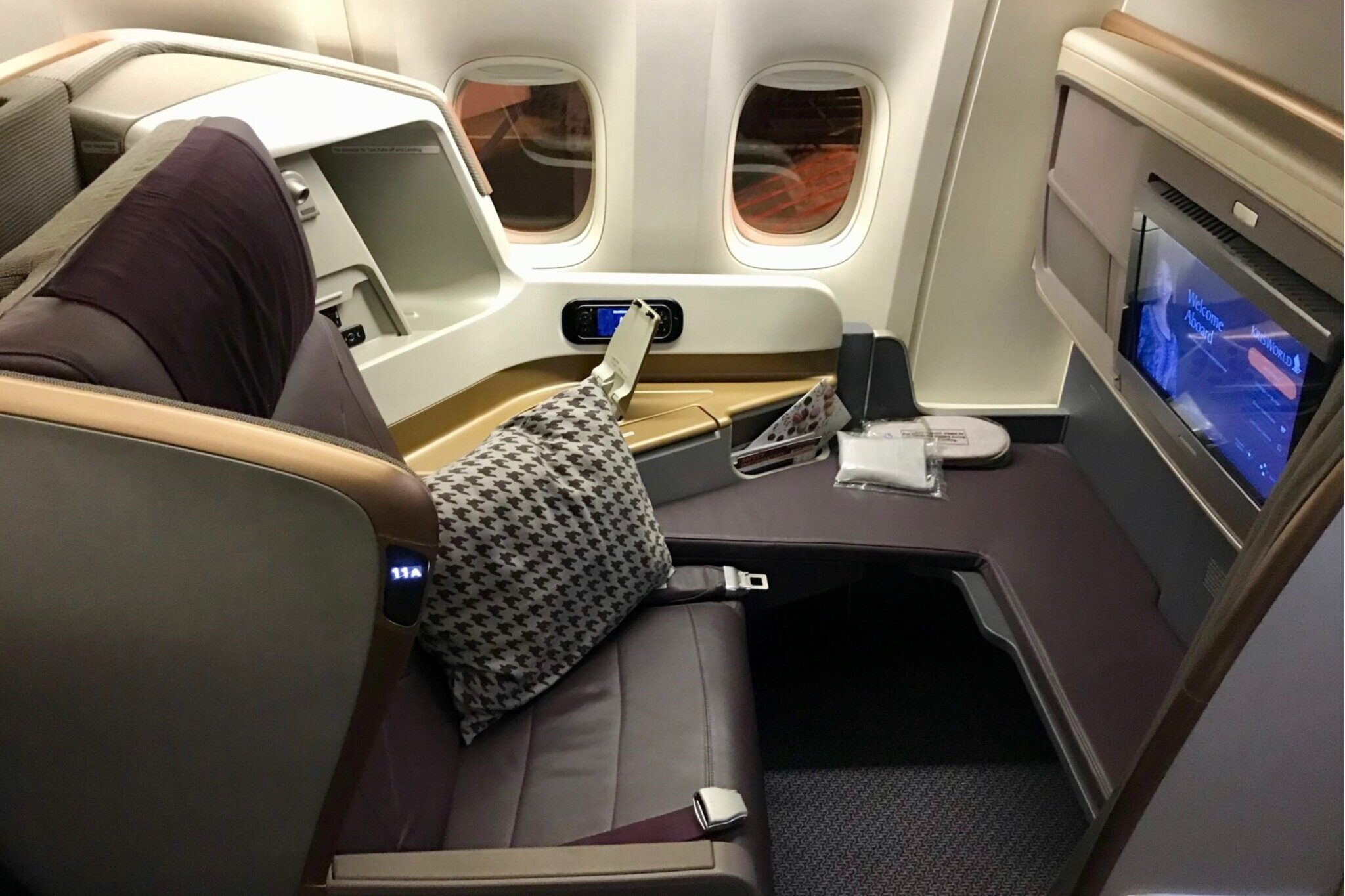 Singapore Airlines 777 business class
