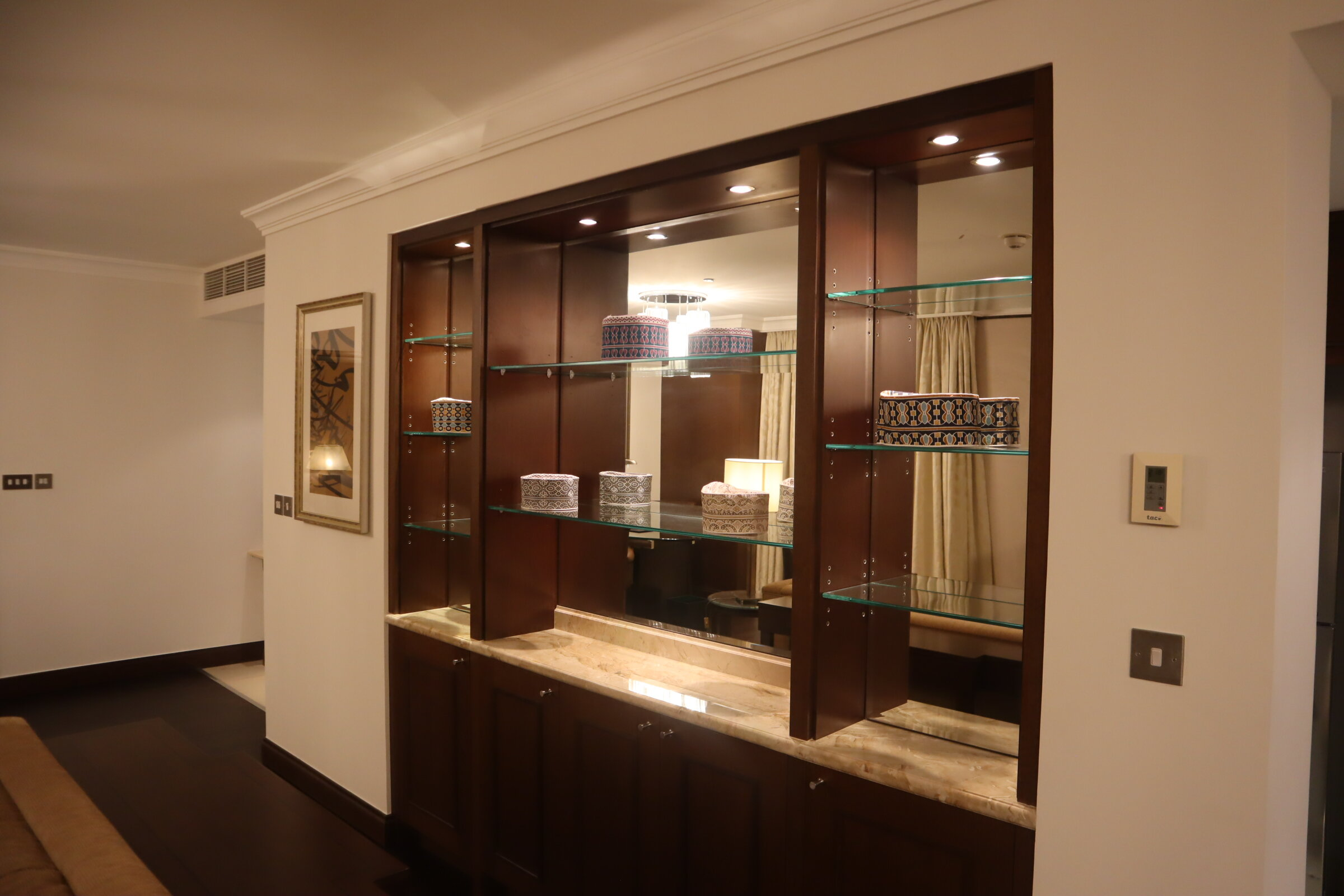 Sheraton Oman – Studio Suite shelves