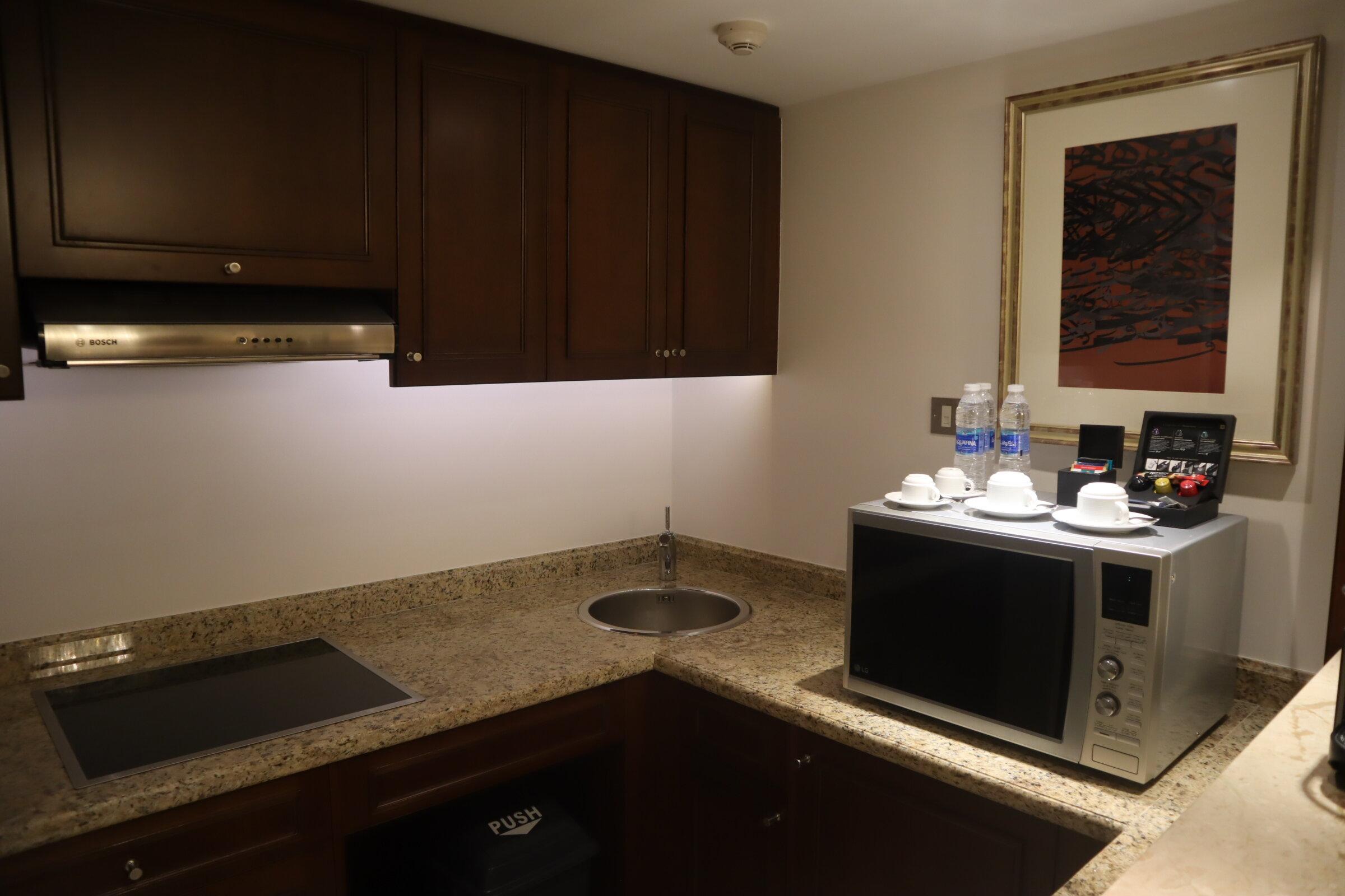 Sheraton Oman – Studio Suite kitchenette
