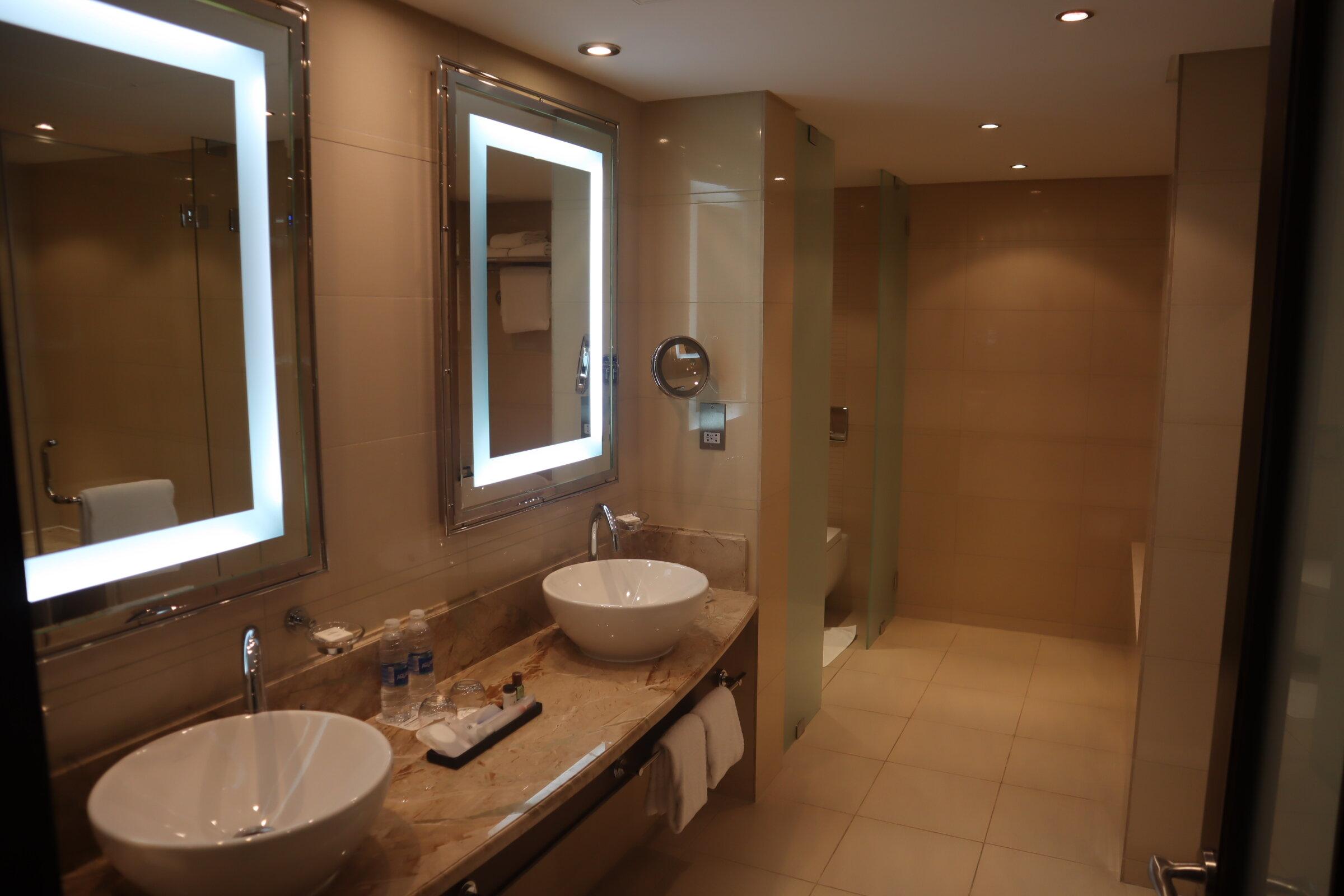 Sheraton Oman – Studio Suite master bathroom
