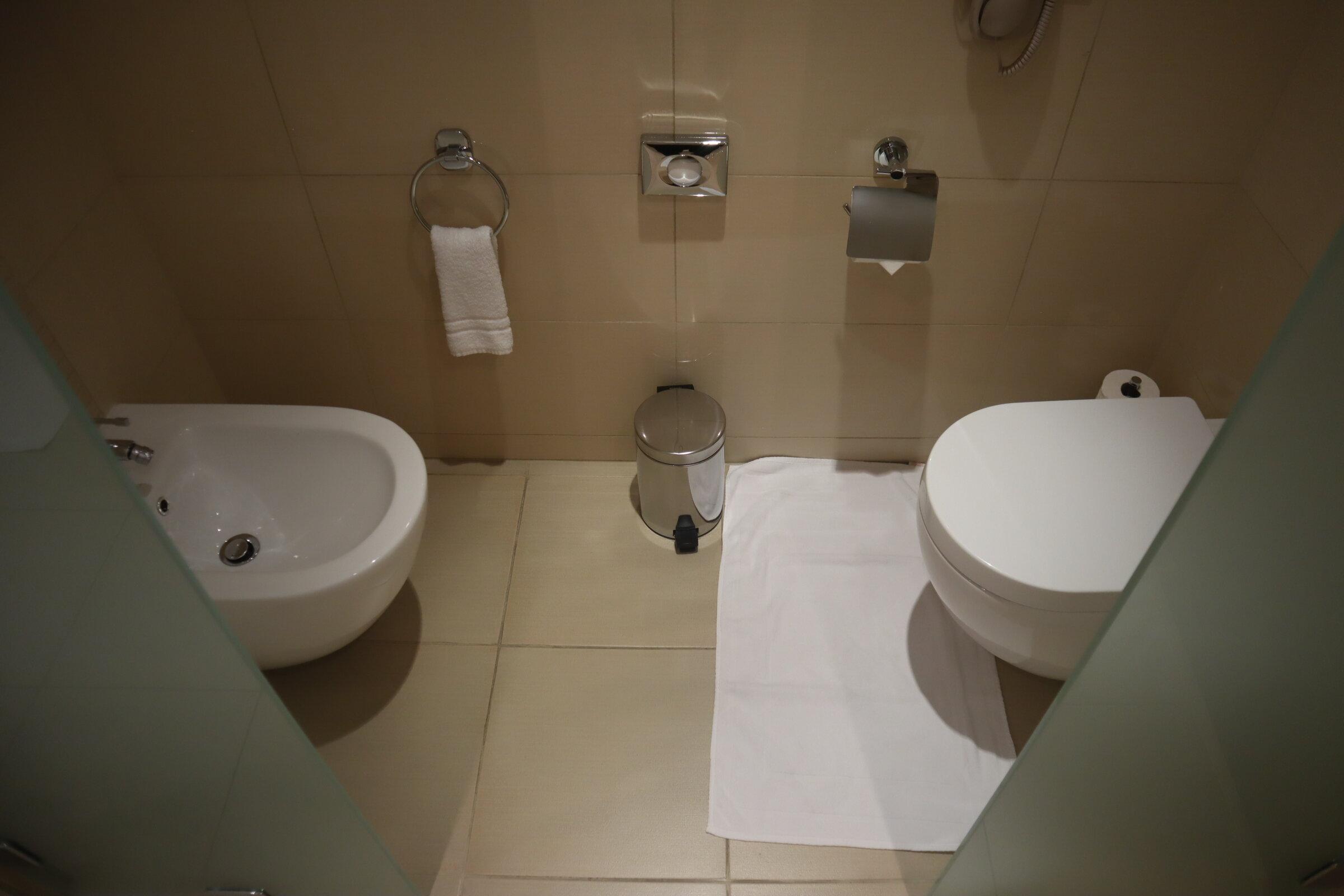 Sheraton Oman – Studio Suite toilet and bidet