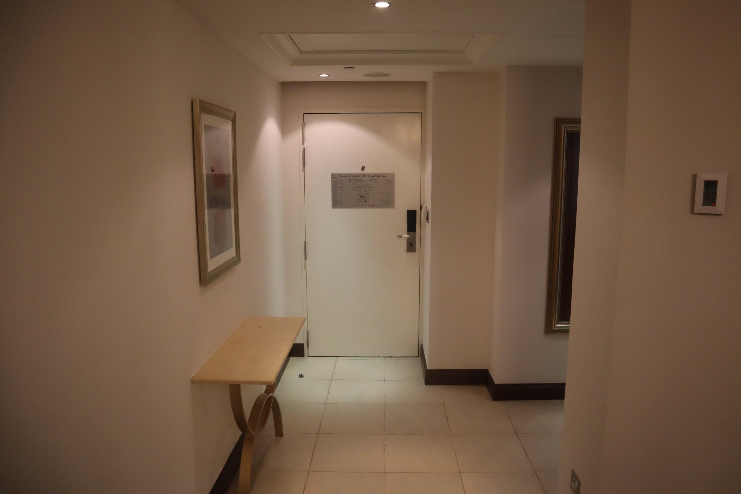 Sheraton Oman – Studio Suite foyer