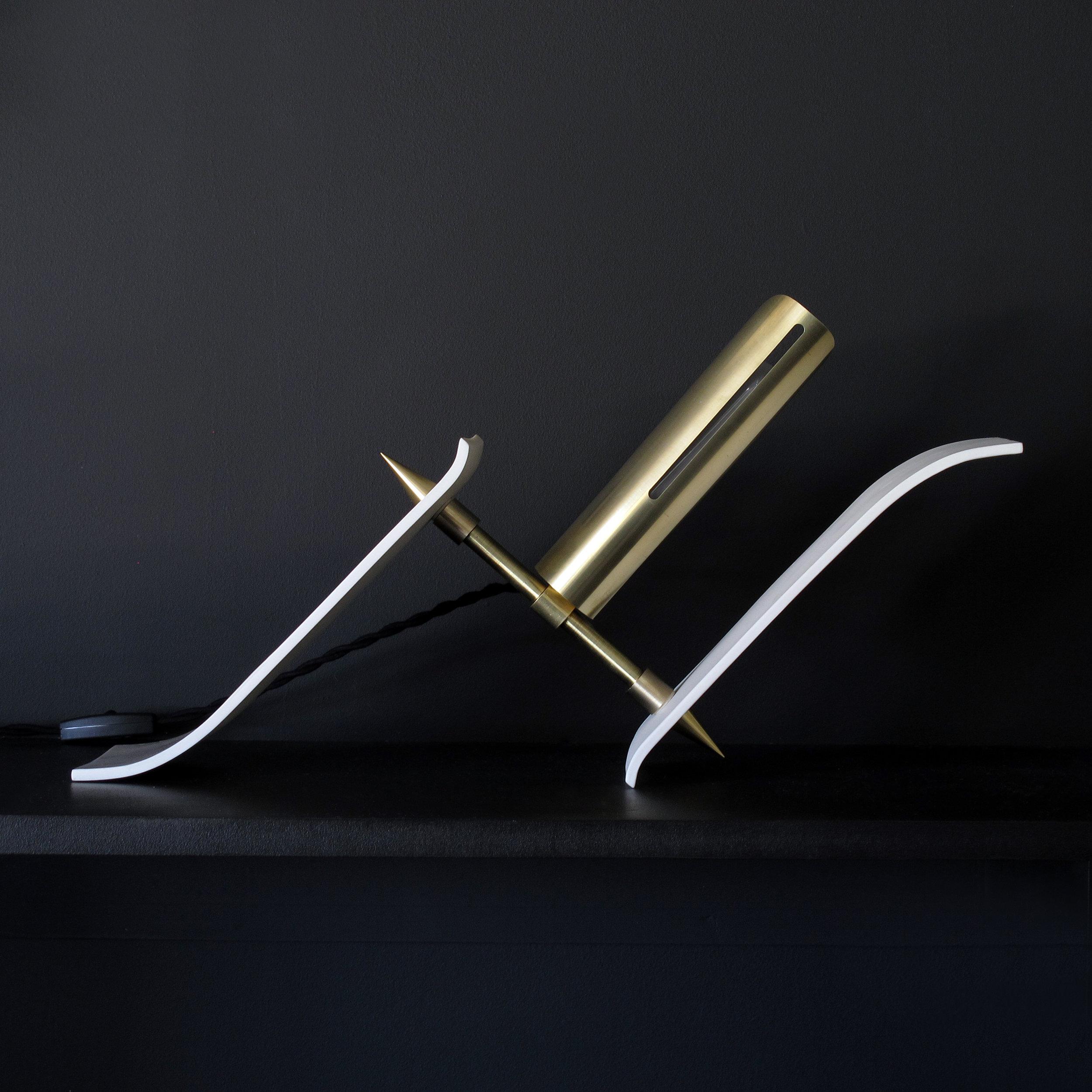 TORO TABLE LAMP