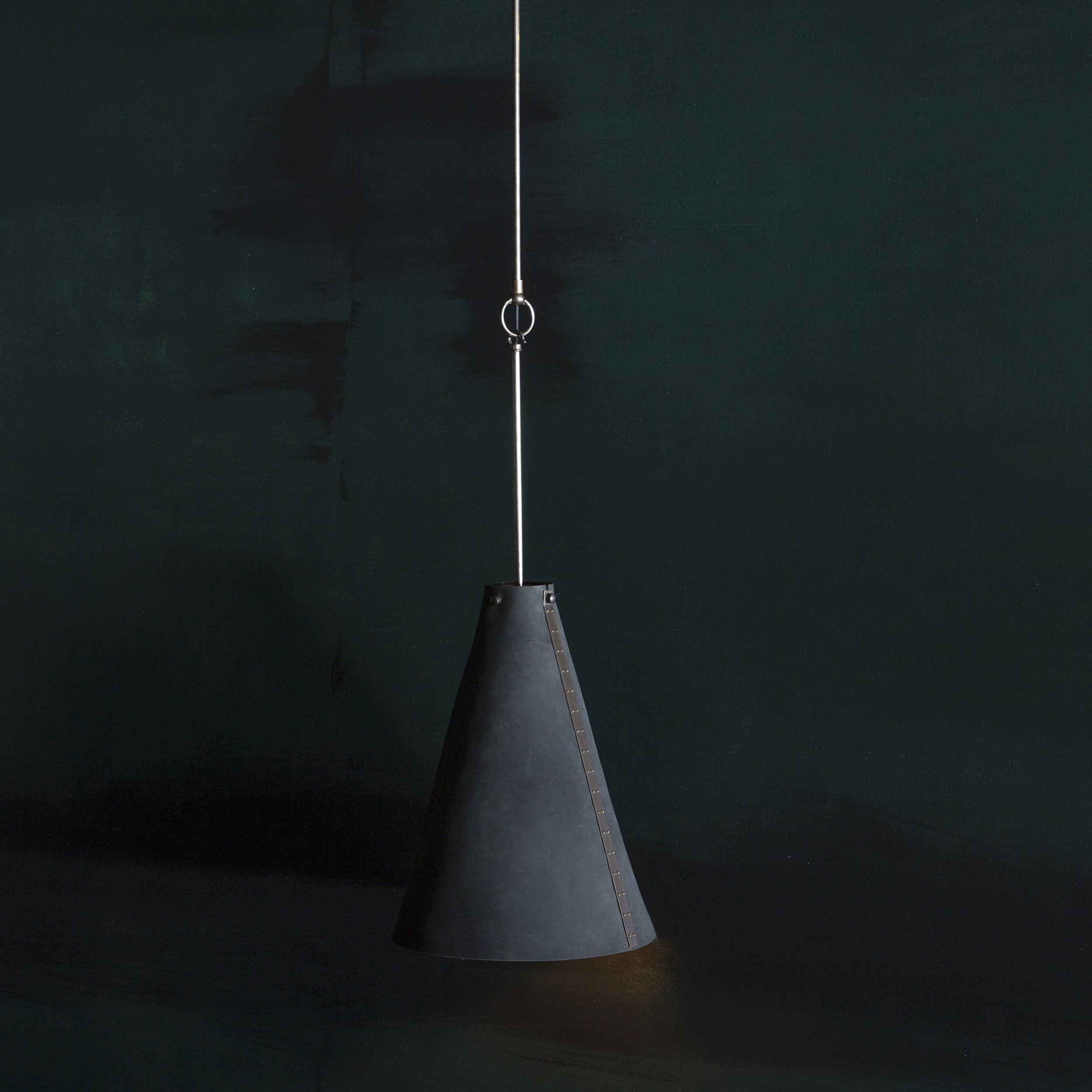 FULCRUM PENDANT L GREEN SQ NO CANOPY.jpg
