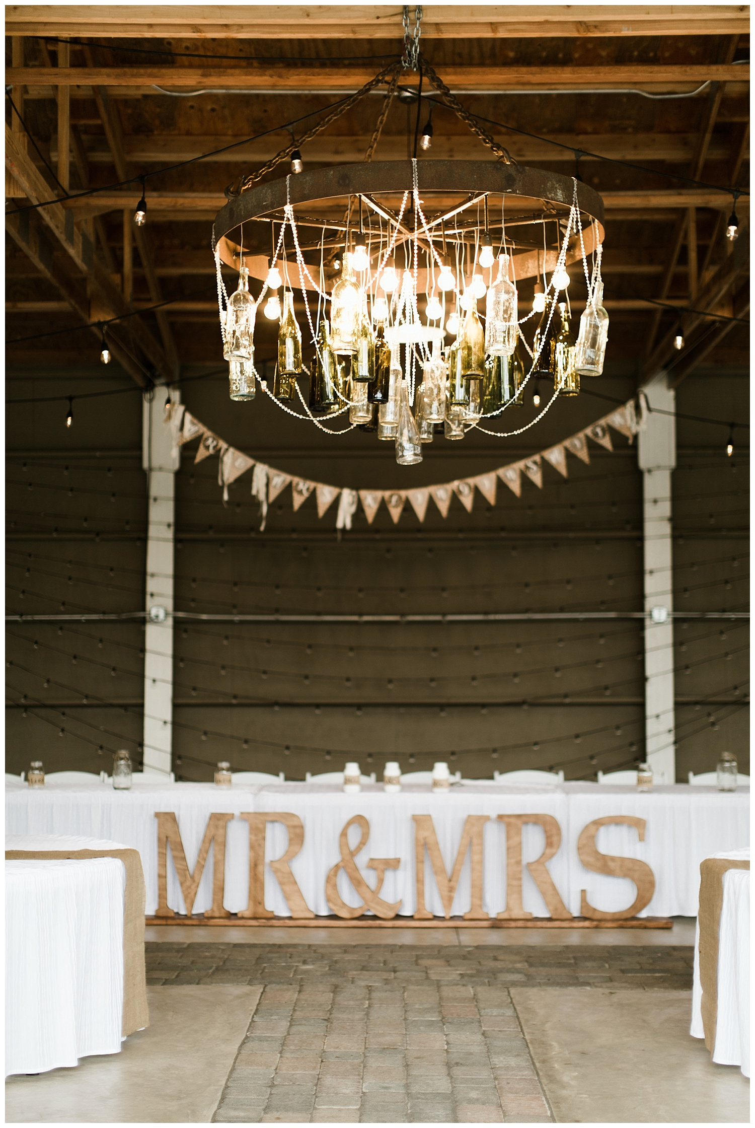 Rustic Chic Wedding | PNW wedding photographer
