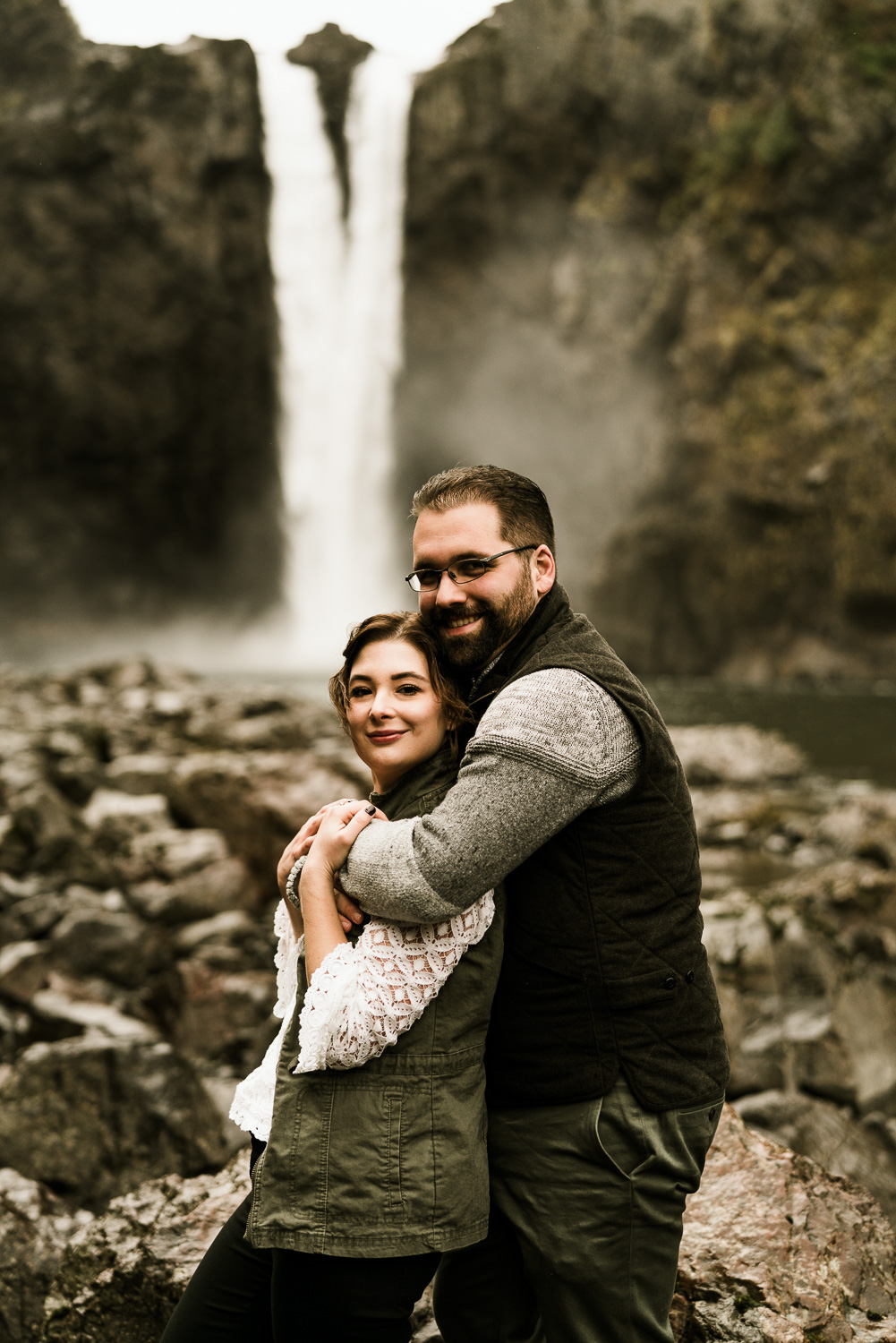 A Picturesque PNW Engagement Session | Snoqualmie Falls | Seattle Wedding photographer-6.jpg