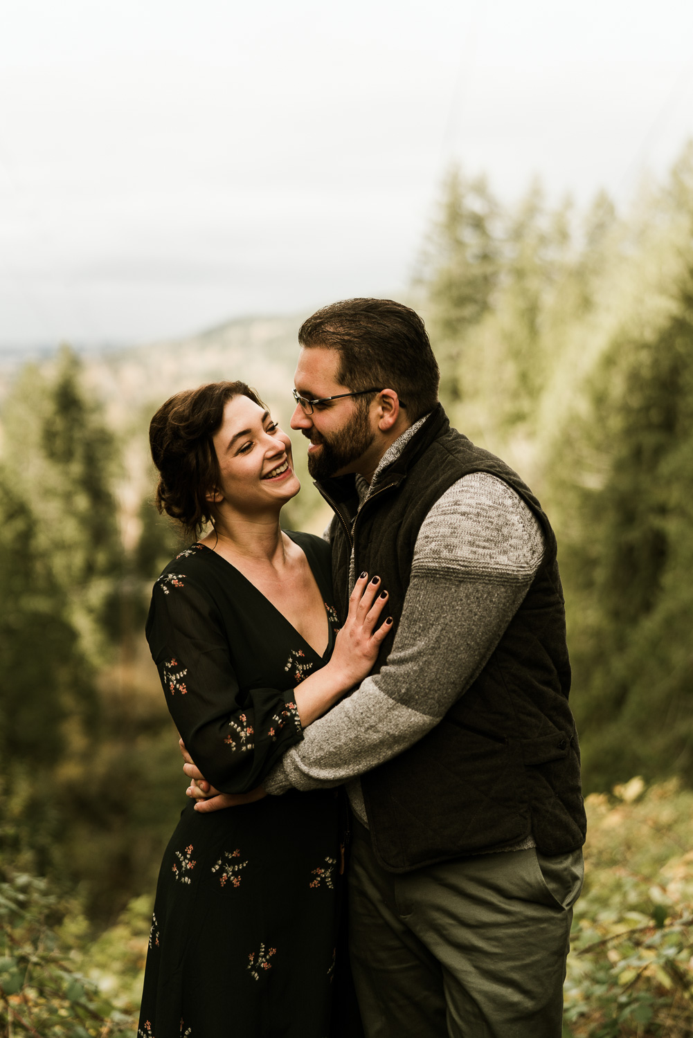 A Picturesque PNW Engagement Session | Snoqualmie Falls | Seattle Wedding photographer-24.jpg