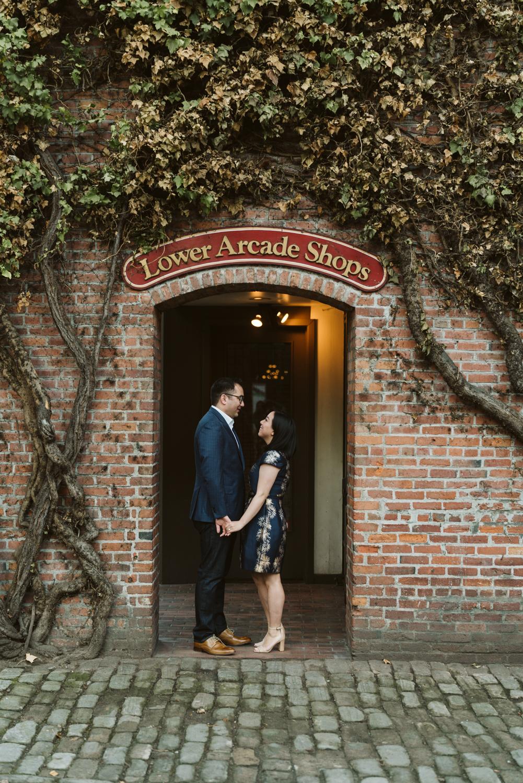 Classy metropolitan engagement session - Seattle pioneer square - Wedding Photography-3.jpg