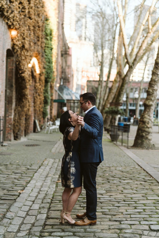 Classy metropolitan engagement session - Seattle pioneer square - Wedding Photography-5.jpg