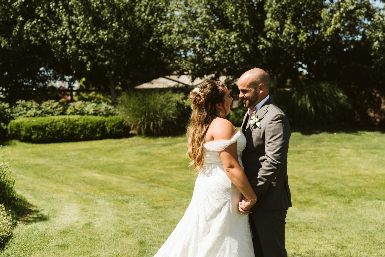 April Yentas Photography - Jess & Eric websize-22.jpg
