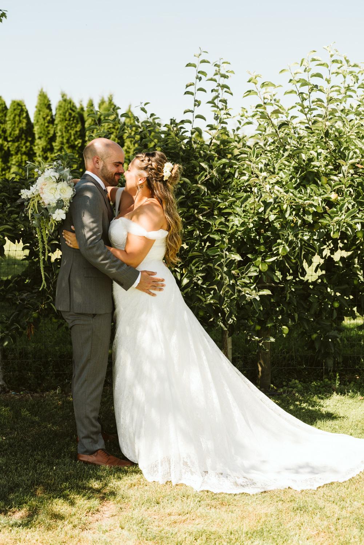 April Yentas Photography - Jess & Eric websize-25.jpg