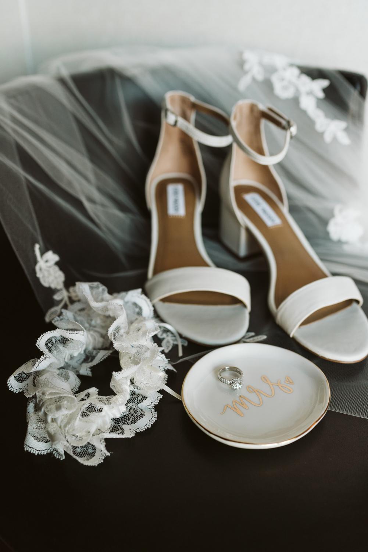 April Yentas Photography - Melissa & Spencer - slideshow-4.jpg
