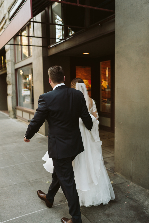 April Yentas Photography - Melissa & Spencer - slideshow-84.jpg