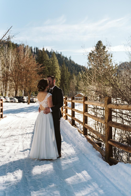 April Yentas Photography - Katie & Taylor slideshow-16.jpg