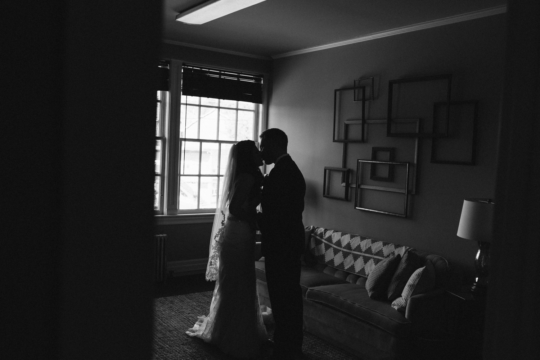 April Yentas Photography - Lauren & Matt slideshow-24.jpg