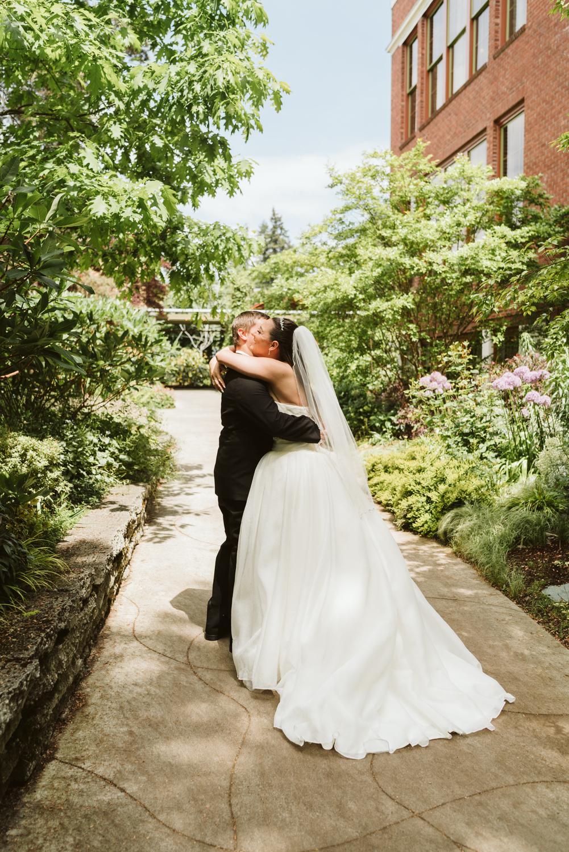 April Yentas Photography - Libby & James-20.jpg