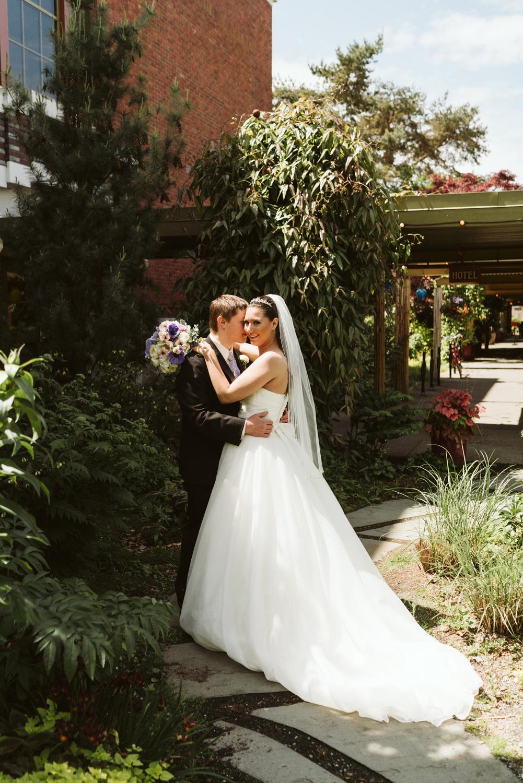 April Yentas Photography - Libby & James-28.jpg