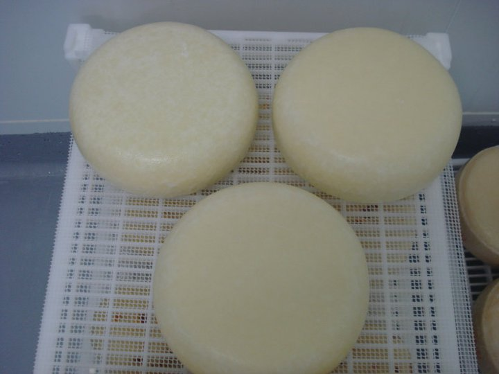 Drying of the cheese for 2-3 days.