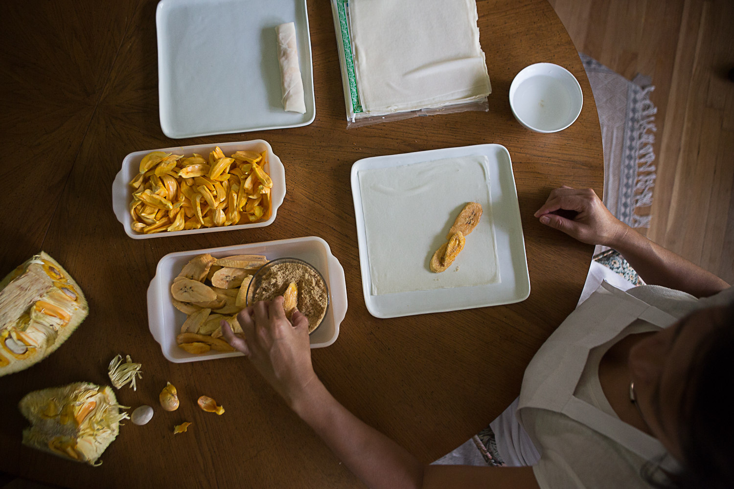 How to make turon filled with jackfruit and plantains