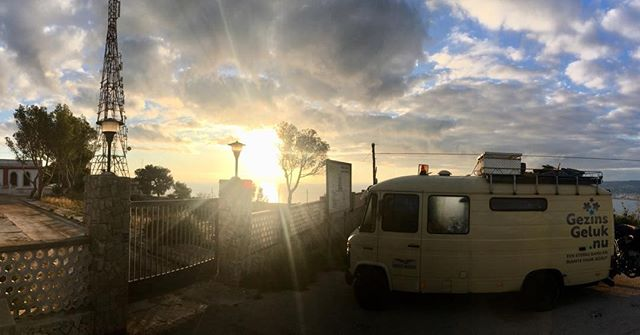 #goodmorning! #vanlife #gezinsgelukopreis found a beautiful place for the night.