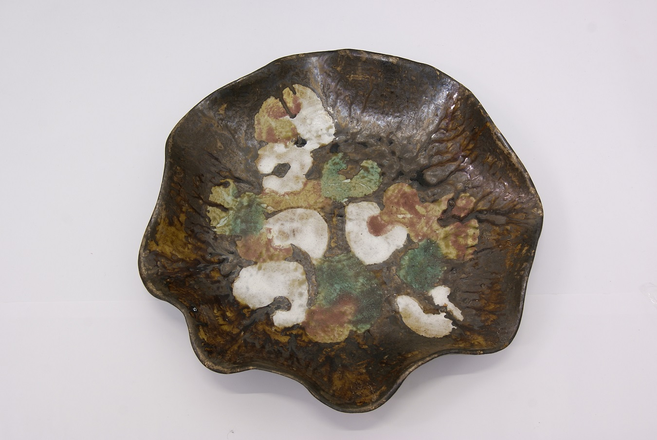 Milton Moon, Platter, stoneware, w47cm, 2010. Photo courtesy of Aptos Cruz Galleries.JPG