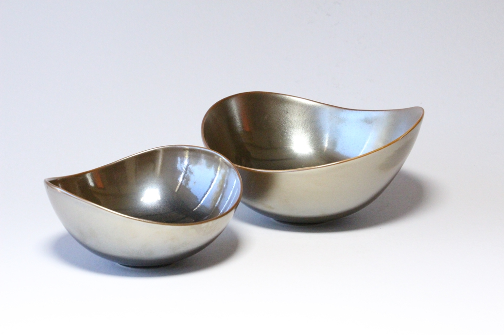 Brian Keyte,  Wave Rim Bowls,  stoneware, bronze and charcoal glazes, various sizes, 2018 AVAILABLE