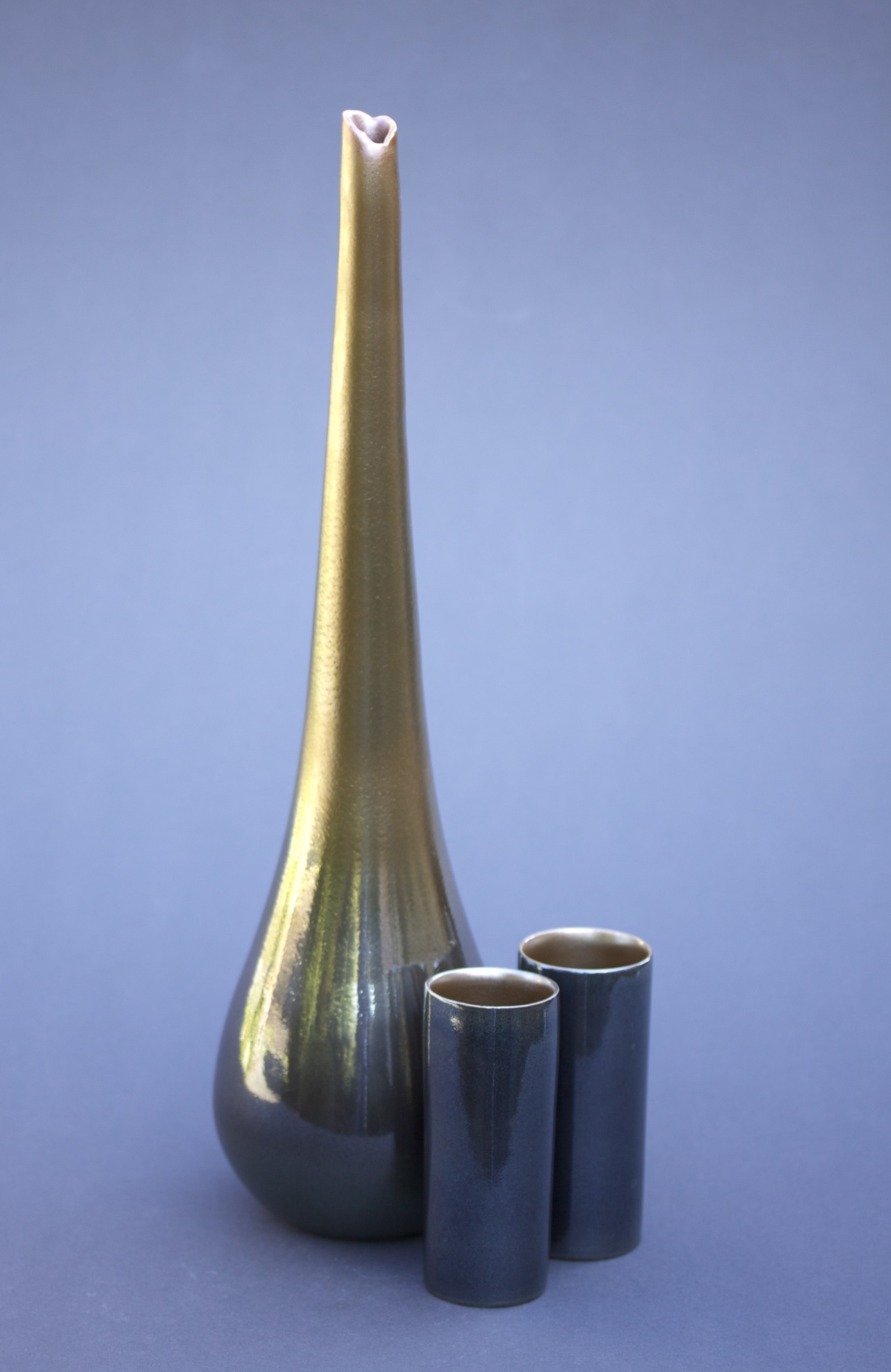 Tall Water Bottle with Cups, Bottle H 570-600mm.jpg