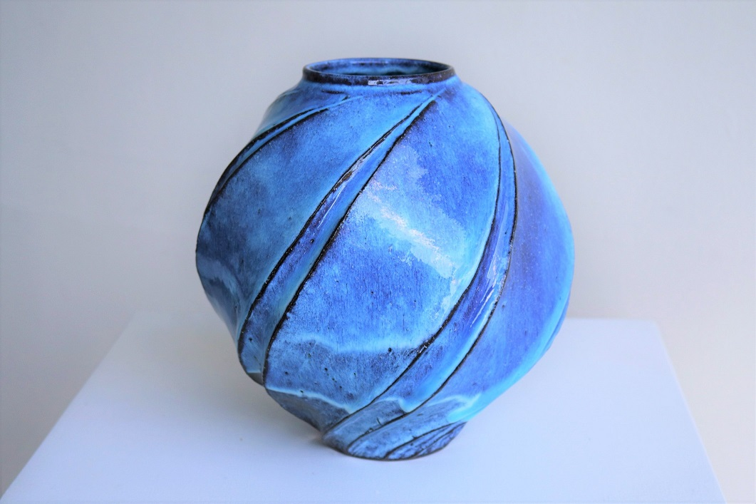 Terunobu Hirata,  Pale Moon,  stoneware, pale moon glaze, H23cm, 2018 AVAILABLE